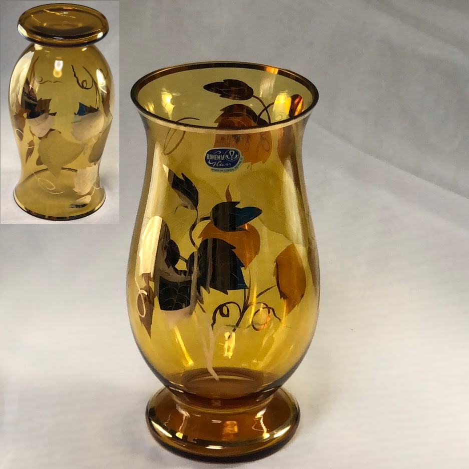 ボヘミアグラス花瓶T1920