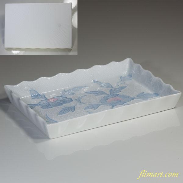 肥前白磁牡丹柄長皿