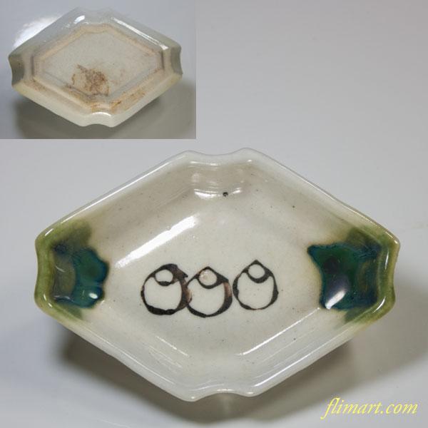織部菱型小皿W2260