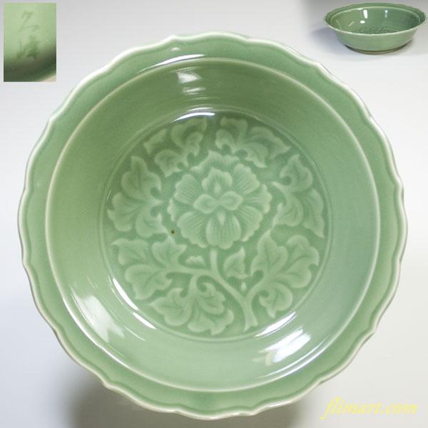 久峰窯青磁陽刻六寸鉢