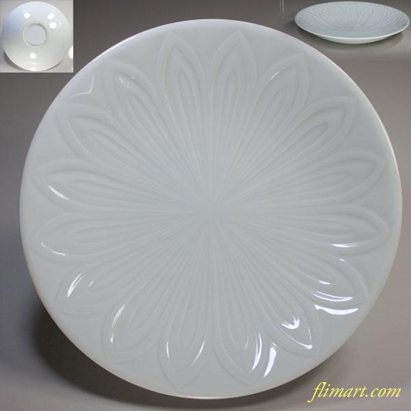 白磁照井一玄陽刻八寸皿