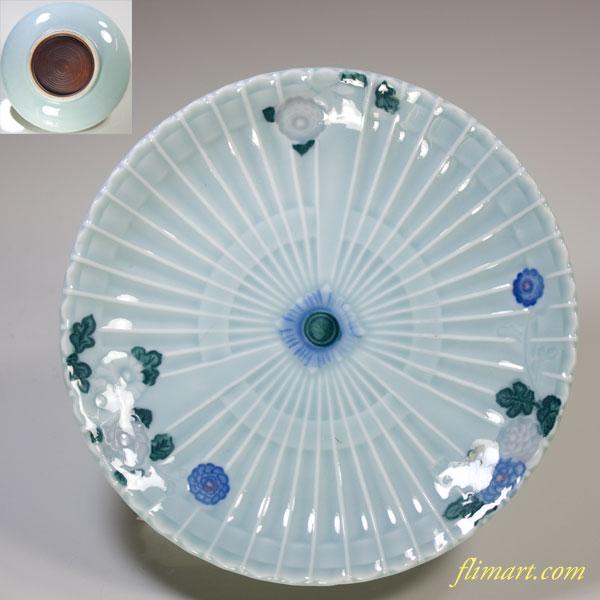 青白磁菊紋五寸皿