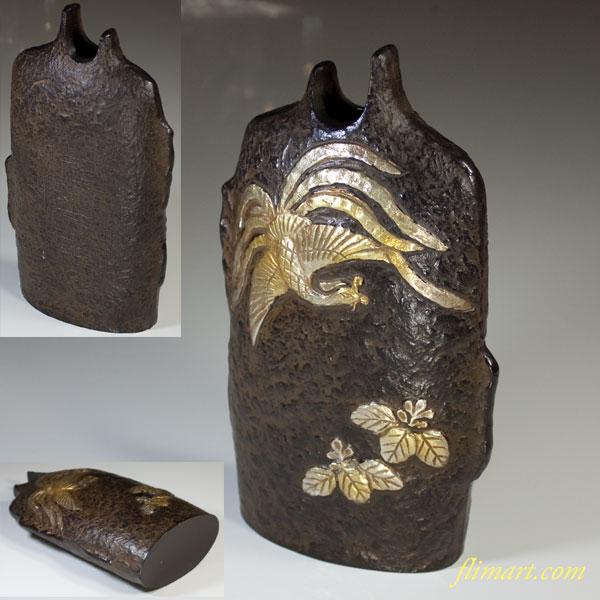銅製陽刻鳳凰桐紋花器