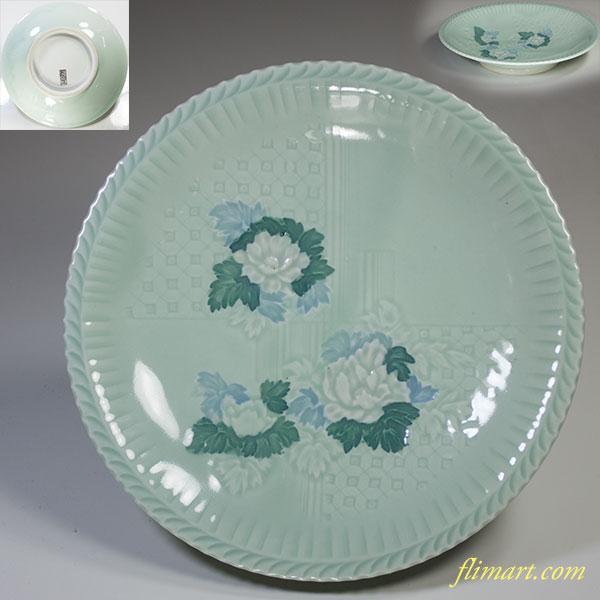 郡是青白磁陽刻花文様六寸半皿