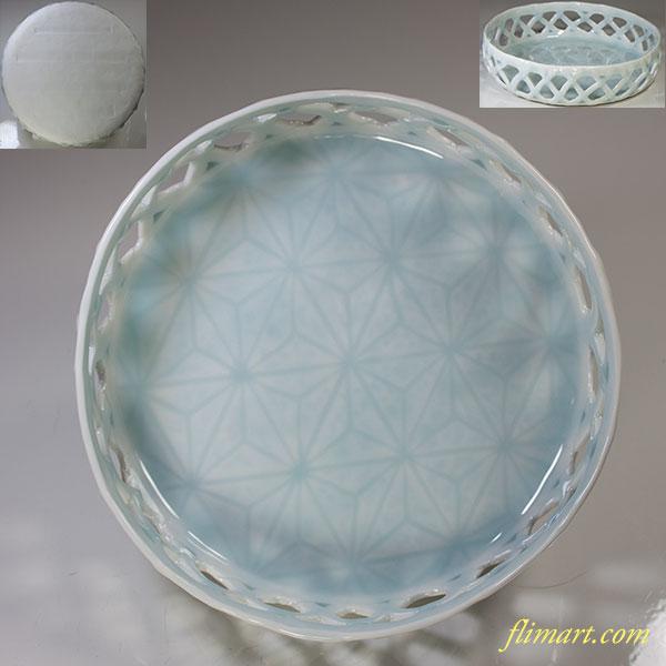青白磁透かし麻の葉文鉢