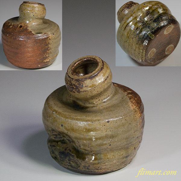 信楽うずくまる花瓶W5545