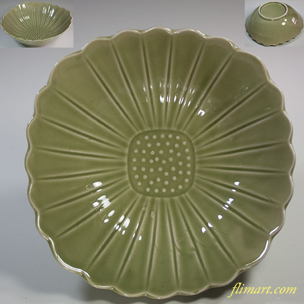 青磁菊花二十四弁六寸鉢