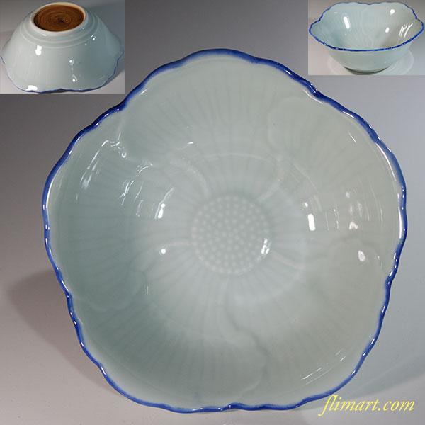 青白磁椿型六寸鉢