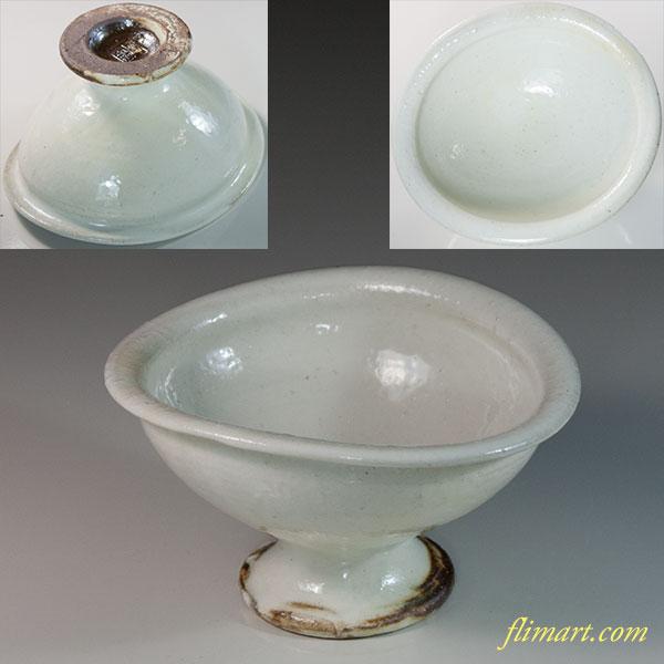 白釉高足小鉢