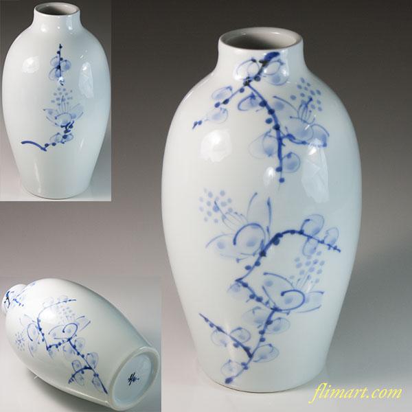 砥部焼梅図花瓶