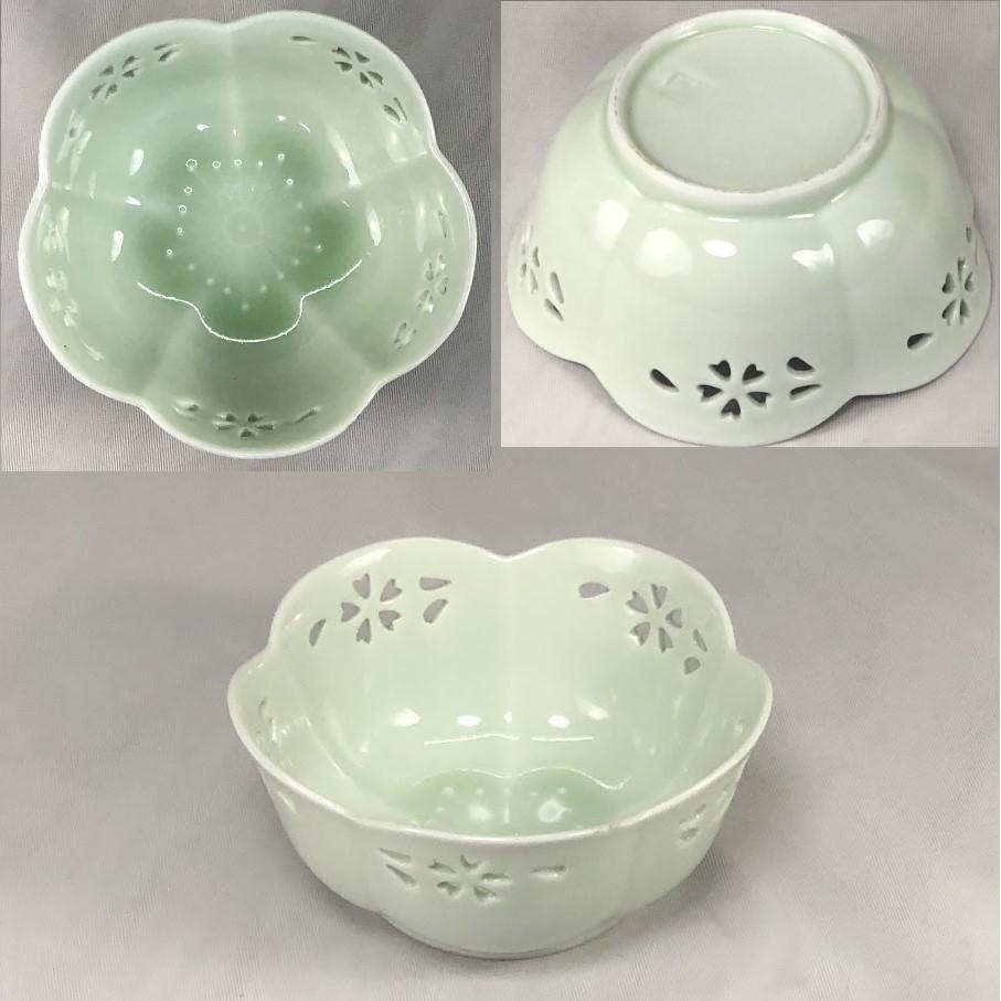 青白磁梅型透かし小鉢W6992