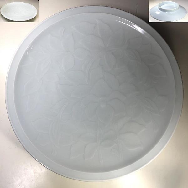 青白磁陽刻一尺一寸半大皿